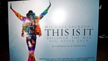 Michael_Jackson_-_This_is_it__affiche_.jpg